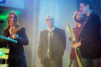 Yach 2010 za Najlepszy Debiut za videoclip Trzydwa%UHT